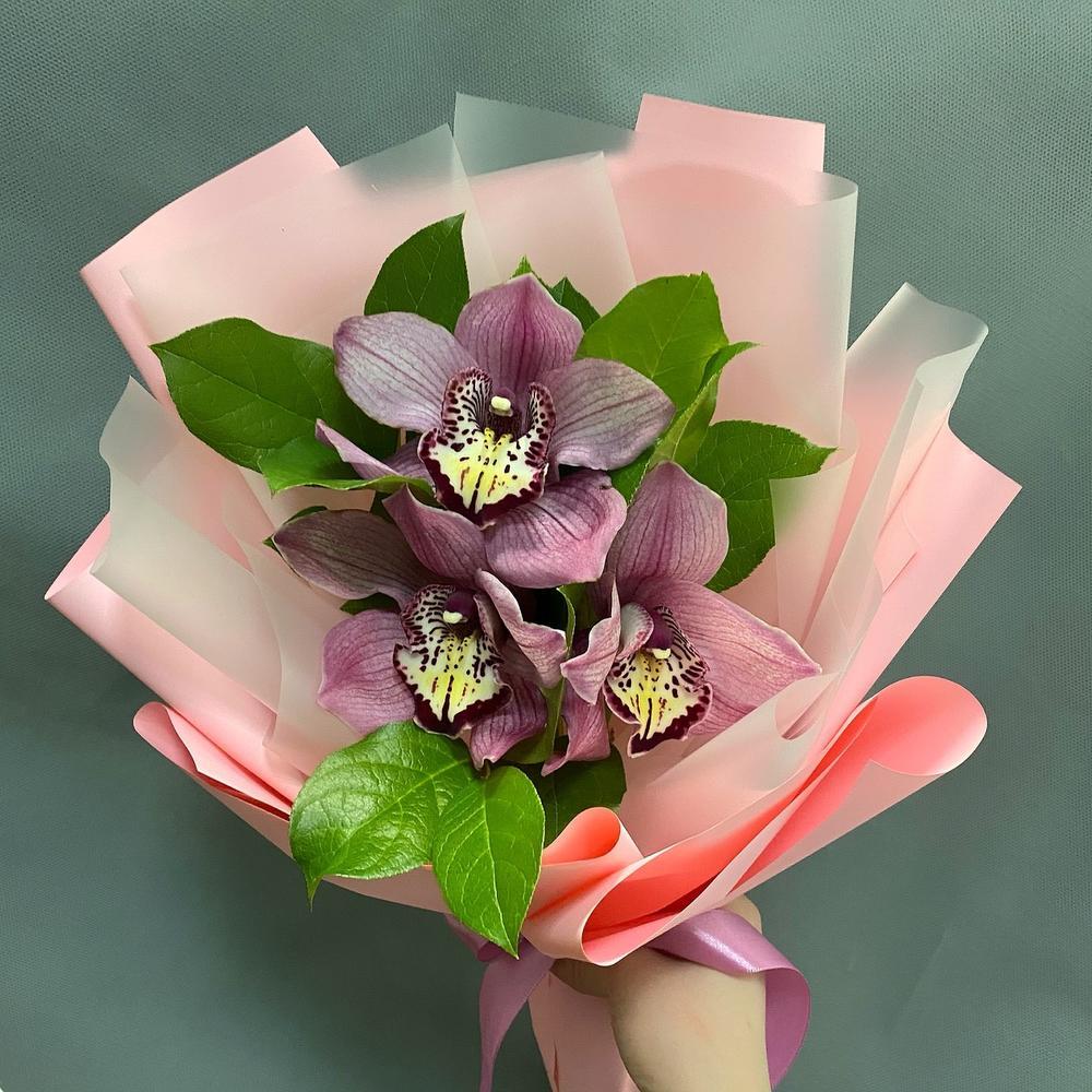 Букет-комплимент из розовых орхидей